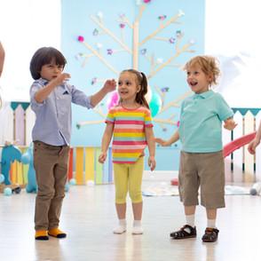 Plesna gibalnica za otroke