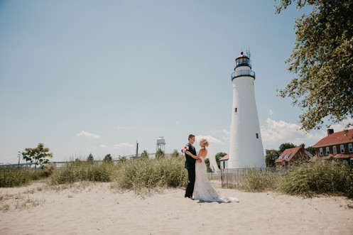 port huron lighthouse wedding michigan