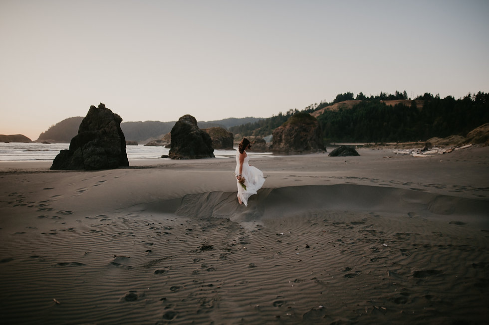 adventure elopement photohrapher oregon