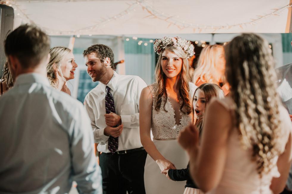 wedding photographer holly michigan