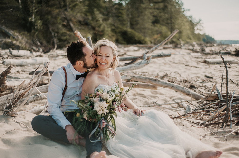 beach bride and groom michigan