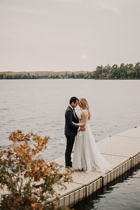 pictured rocks elopement in michigan