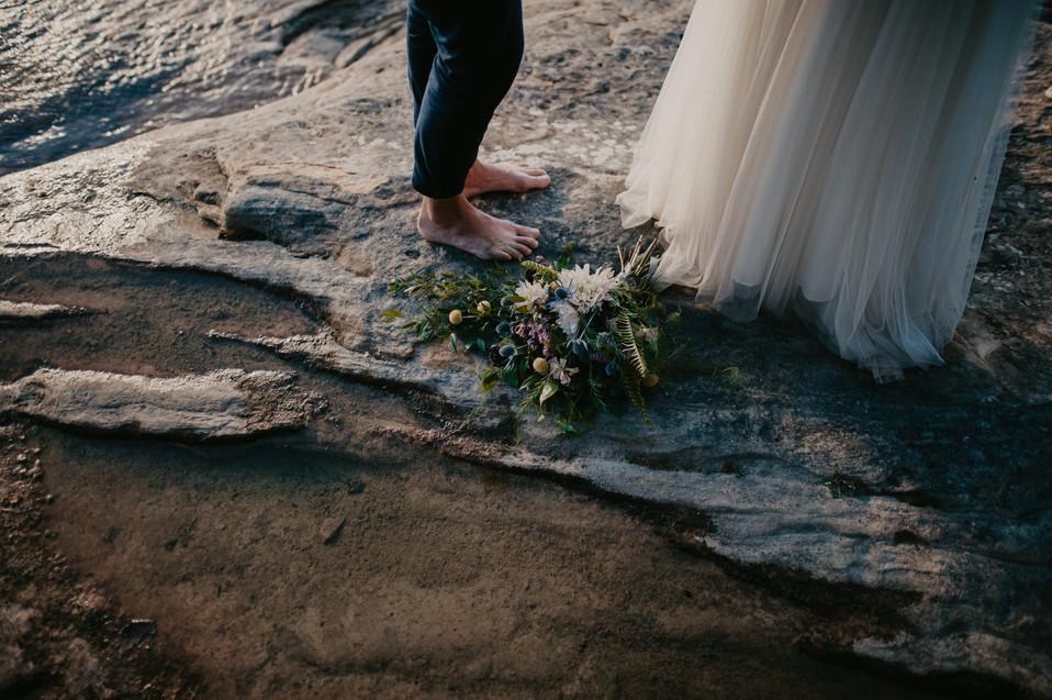 elopement vows pictured rocks upper peninsula elopement