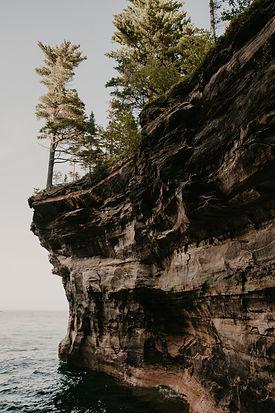 pictured rocks upper peninsula michigan