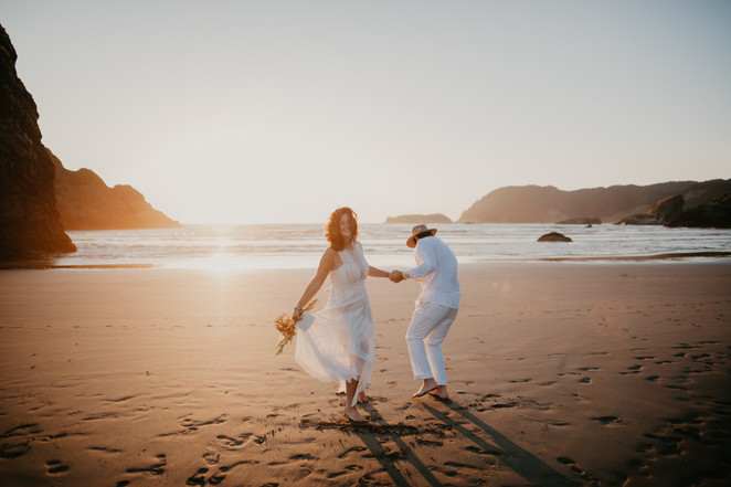 oregon coast highway 1 adventure wedding