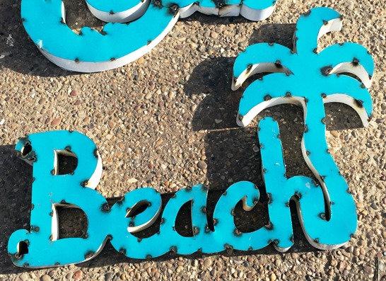 BEACH SIGN W/PALM TREE
