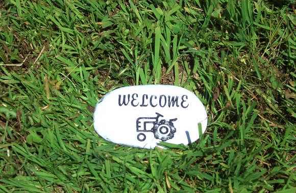 WELCOME TRACTOR STONE