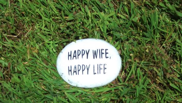 HAPPY WIFE HAPPY LIFE STONE