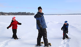 snowshoeing-on-lake-boys-father-500kb.jp