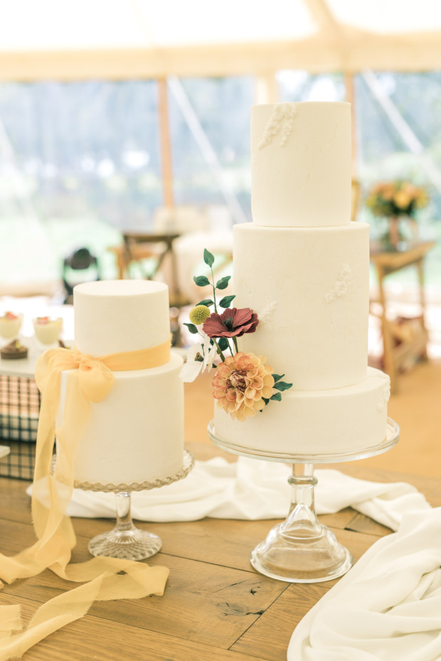Subtle Summer Wedding Cake
