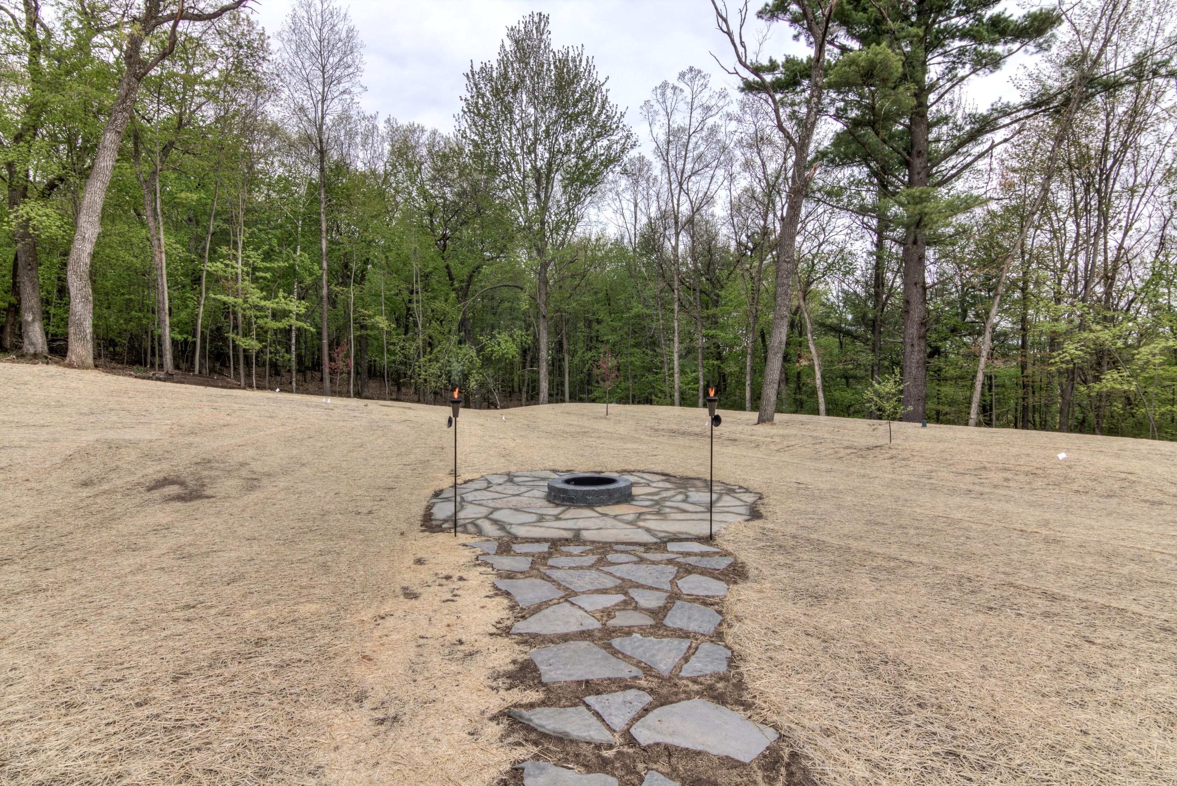 67-19 - Backyard-12