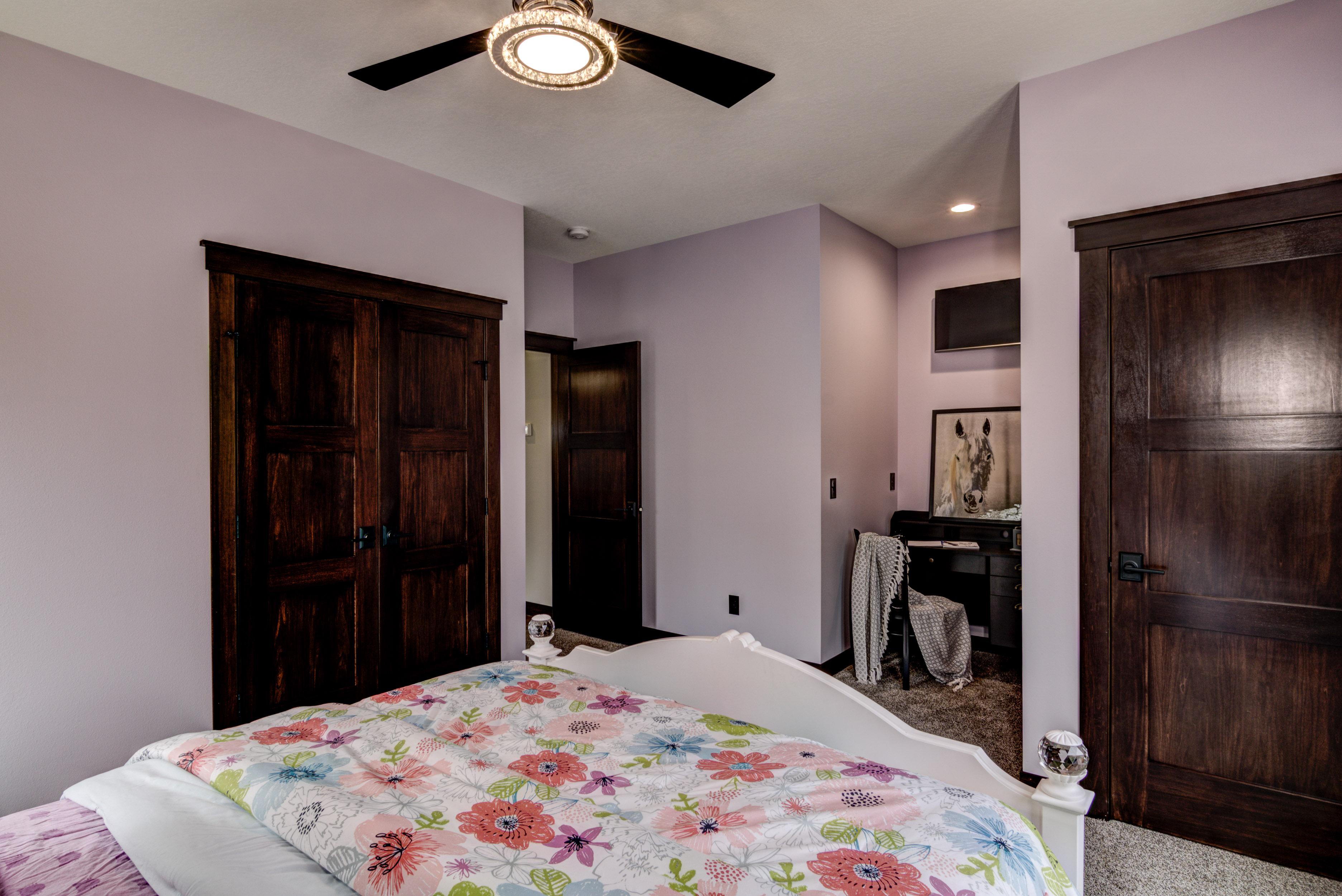 35-10 - Main Level Bedroom - 2-2