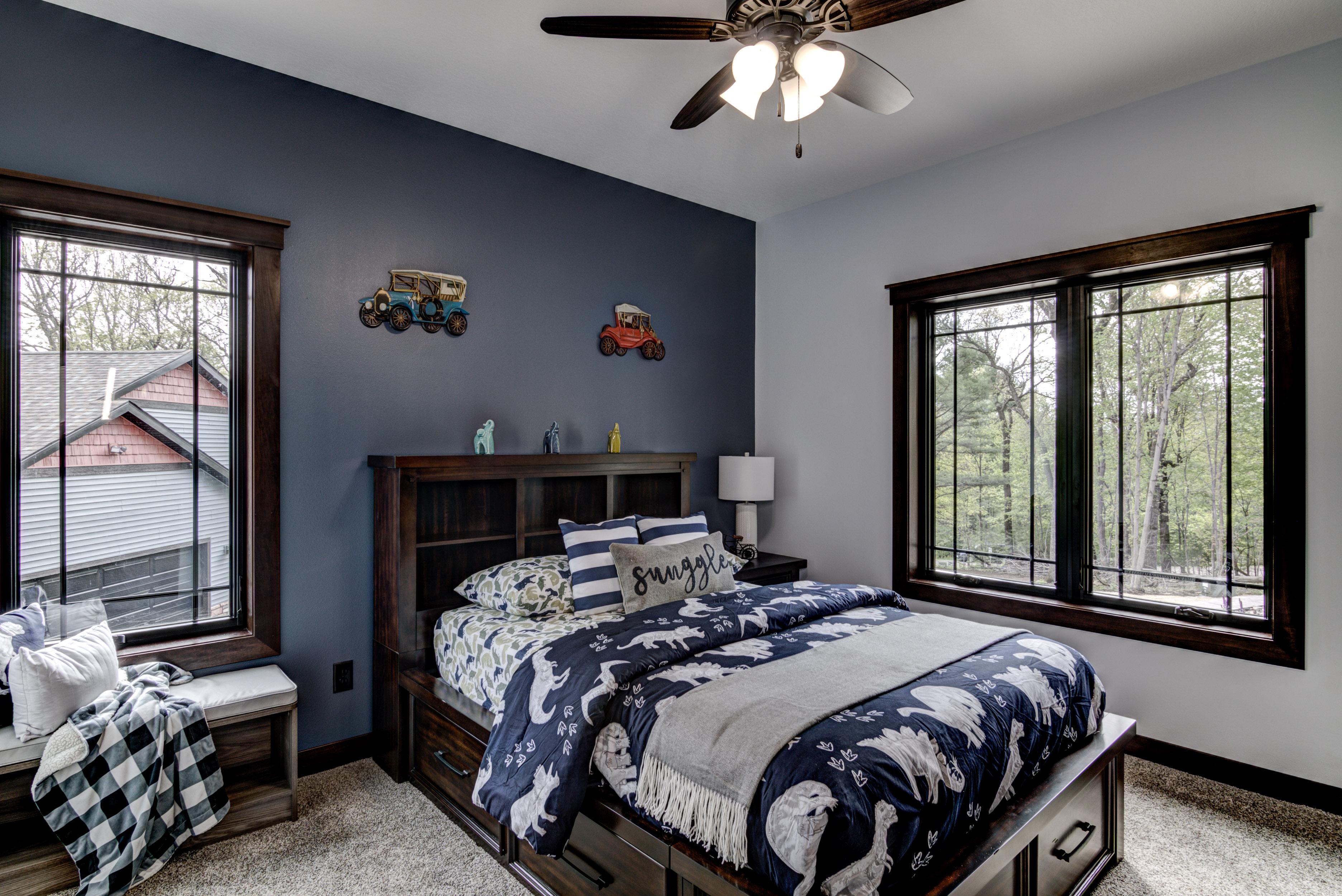 32-10 - Main Level Bedroom - 1-1