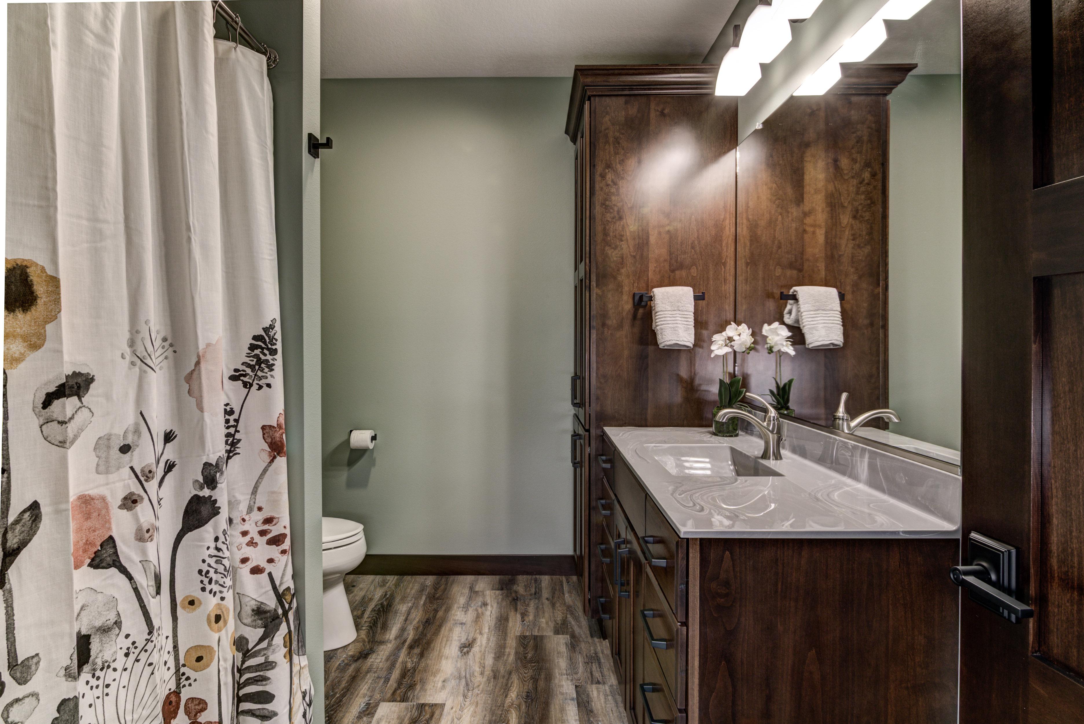 40-12B - Bathroom-4