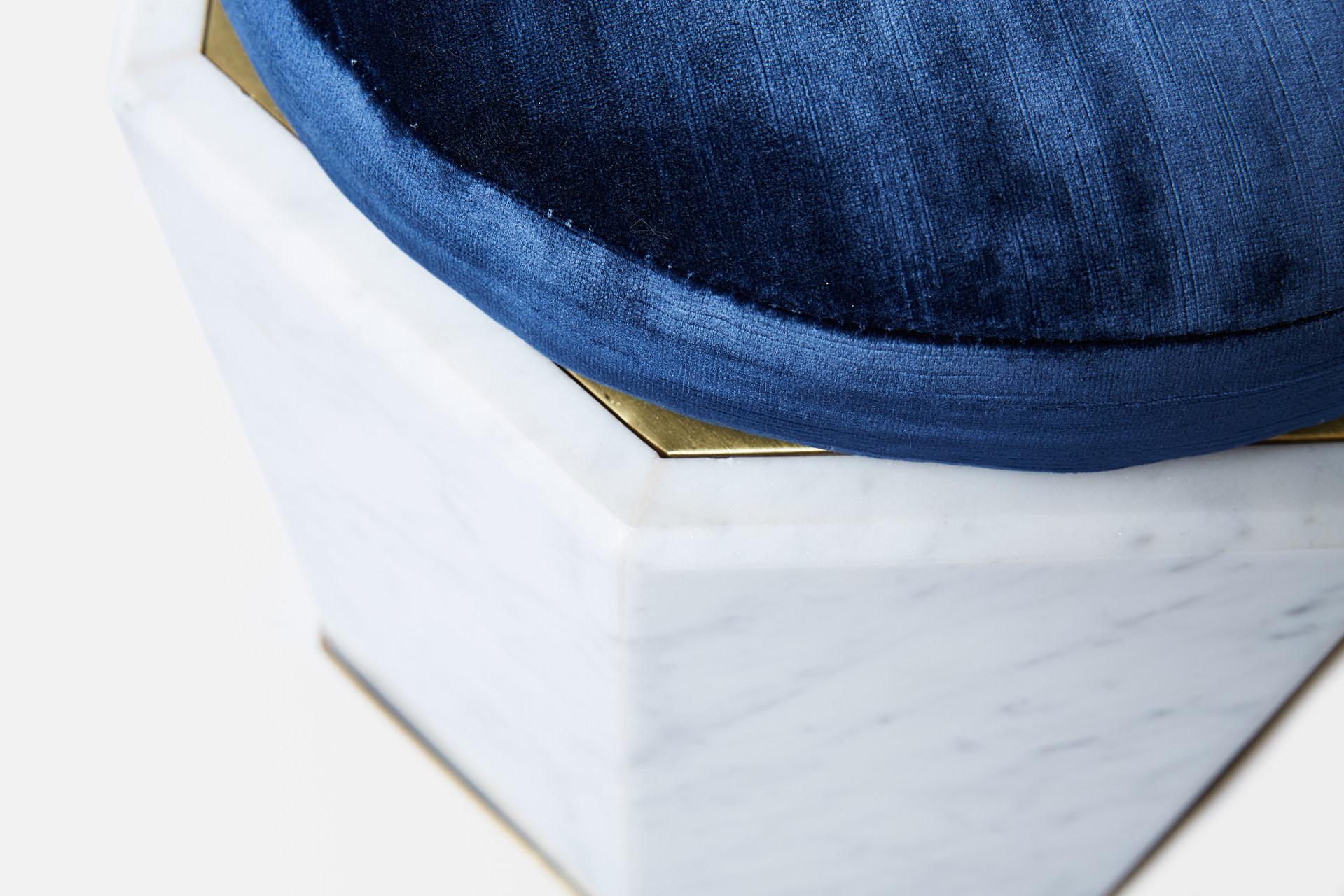 VEIN - Detail - Blue.jpg
