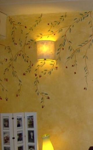 mural frutas rojas esteros.jpg
