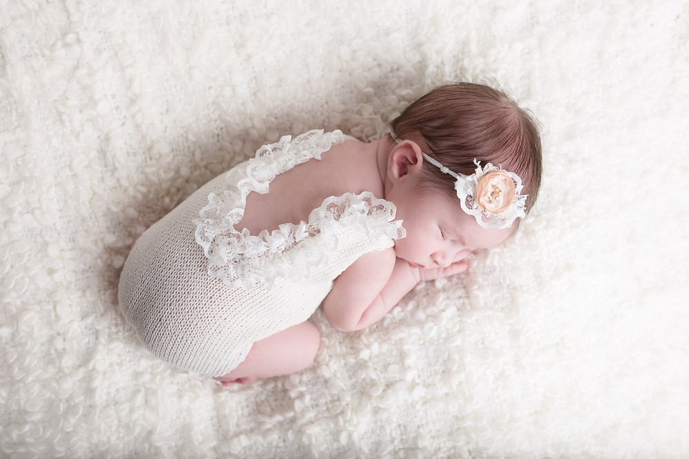 Dallas newborn photographer, Lexi meadows photography, white and neutral baby colors