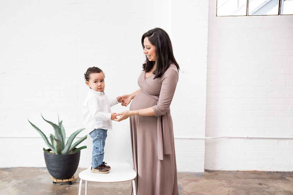 dallas newborn photographer, maternity pictures, Lexi Meadows Photography, mother son maternity session