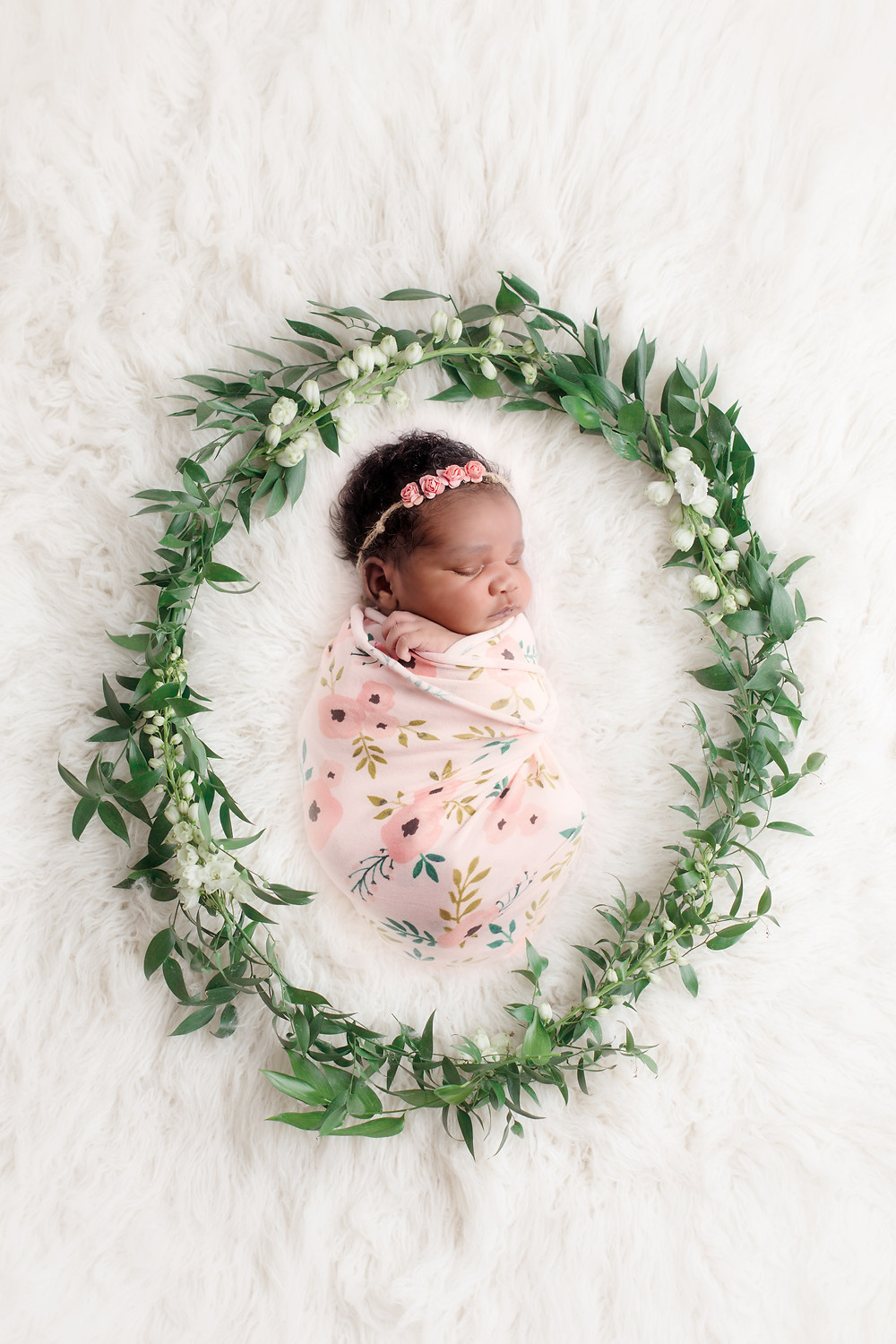 creative newborn pictures, baby pictures with florals, dallas studio for newborns