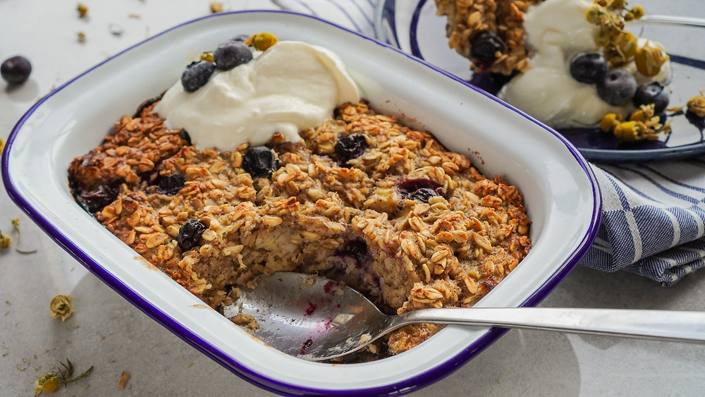 Blueberry and Chamomile Baked Oats