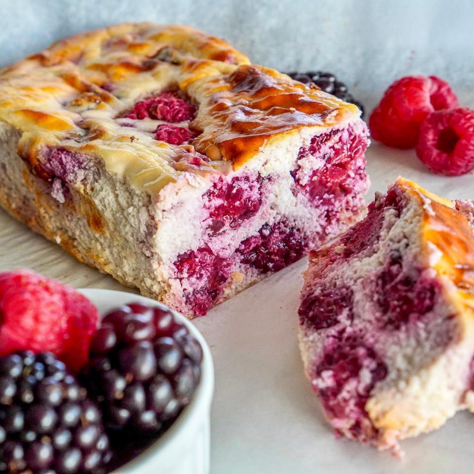 Berry Yoghurt Cake