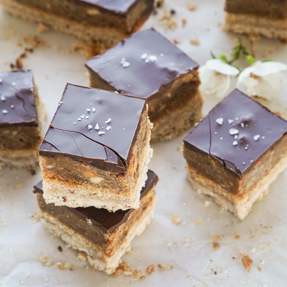Chunky Nutty Caramel Chocolate Bites