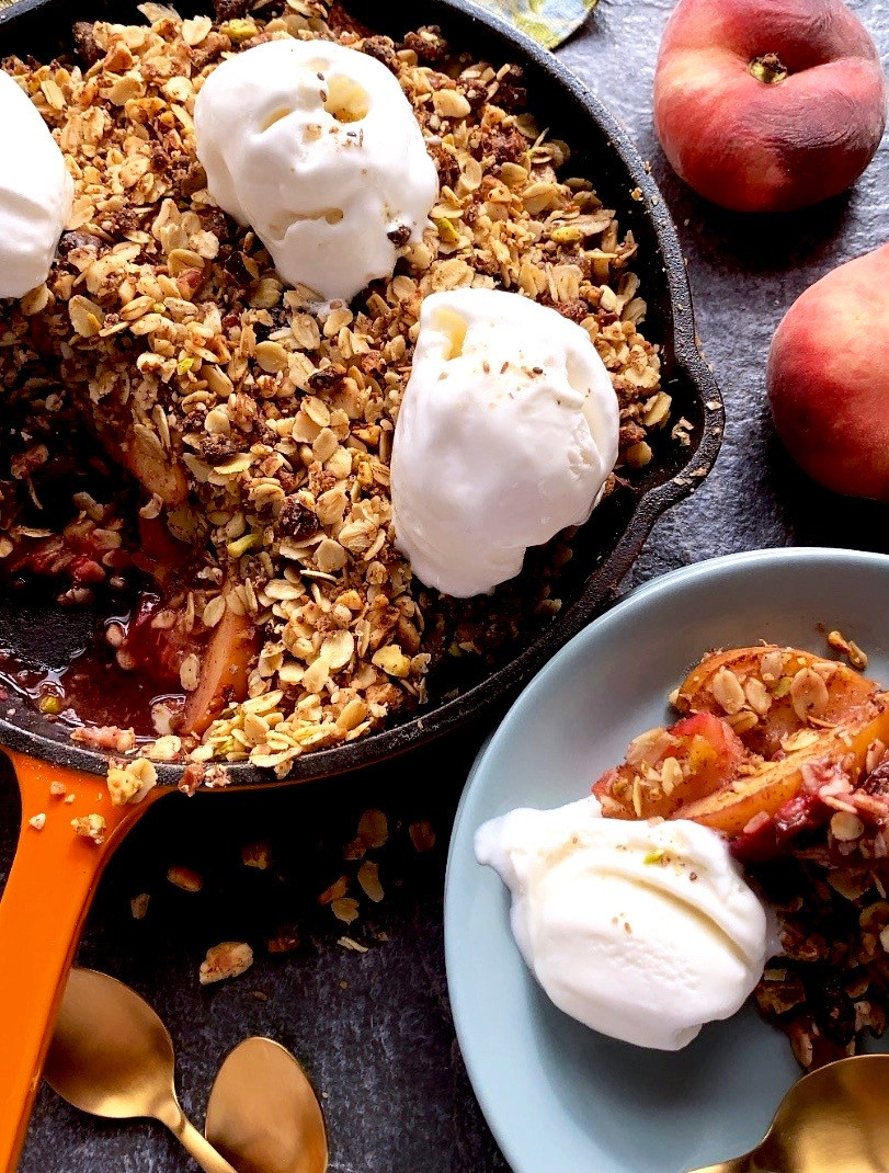 Nutty oat fruit crumble