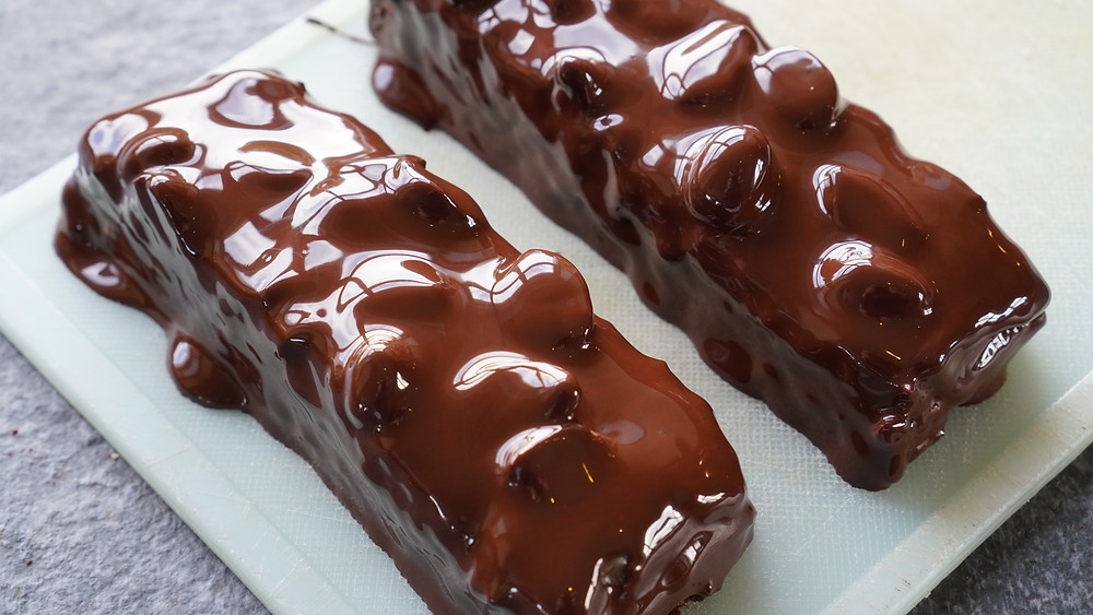 sugarfree snickers bars with sugarfree melted chocolate added