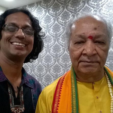 Milind Date with his Guruji Pt. Haripras