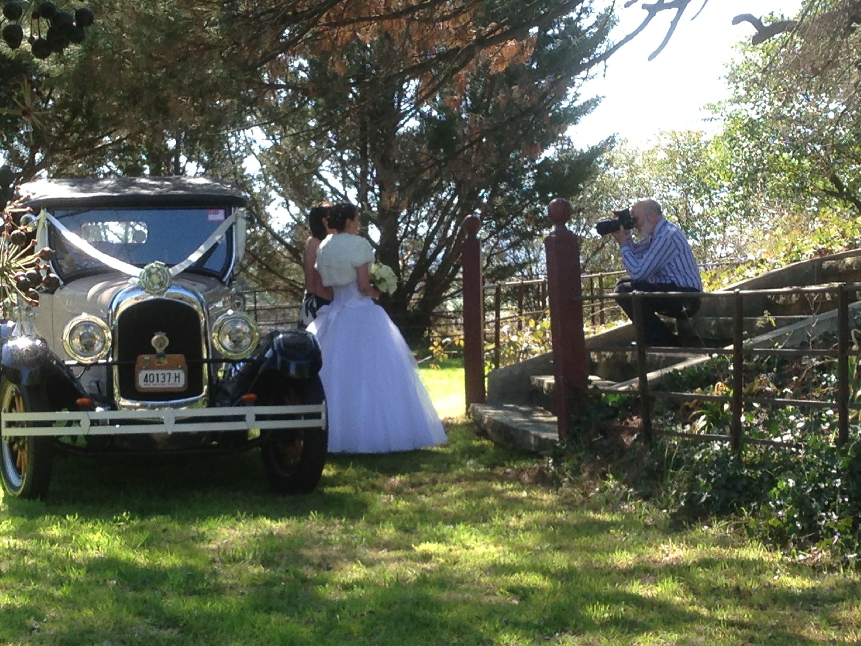 Wedding arrivals 1.jpg