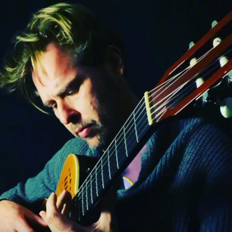 An evening with Aaron Hopper - guitarist
