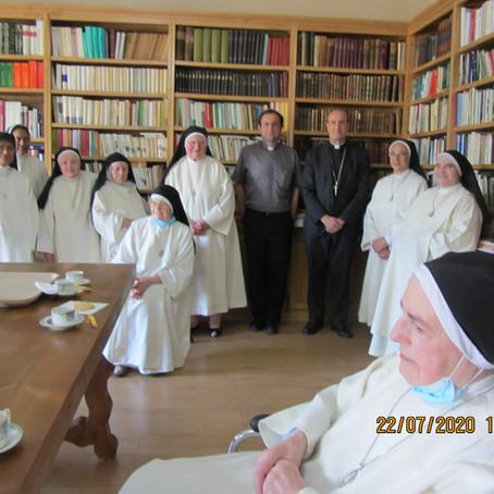 El Señor Obispo visita el Monasterio de Villafranca