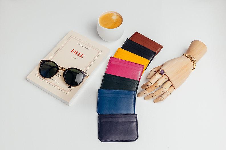 porte-carte-gamme-clouleur-cuir.jpg