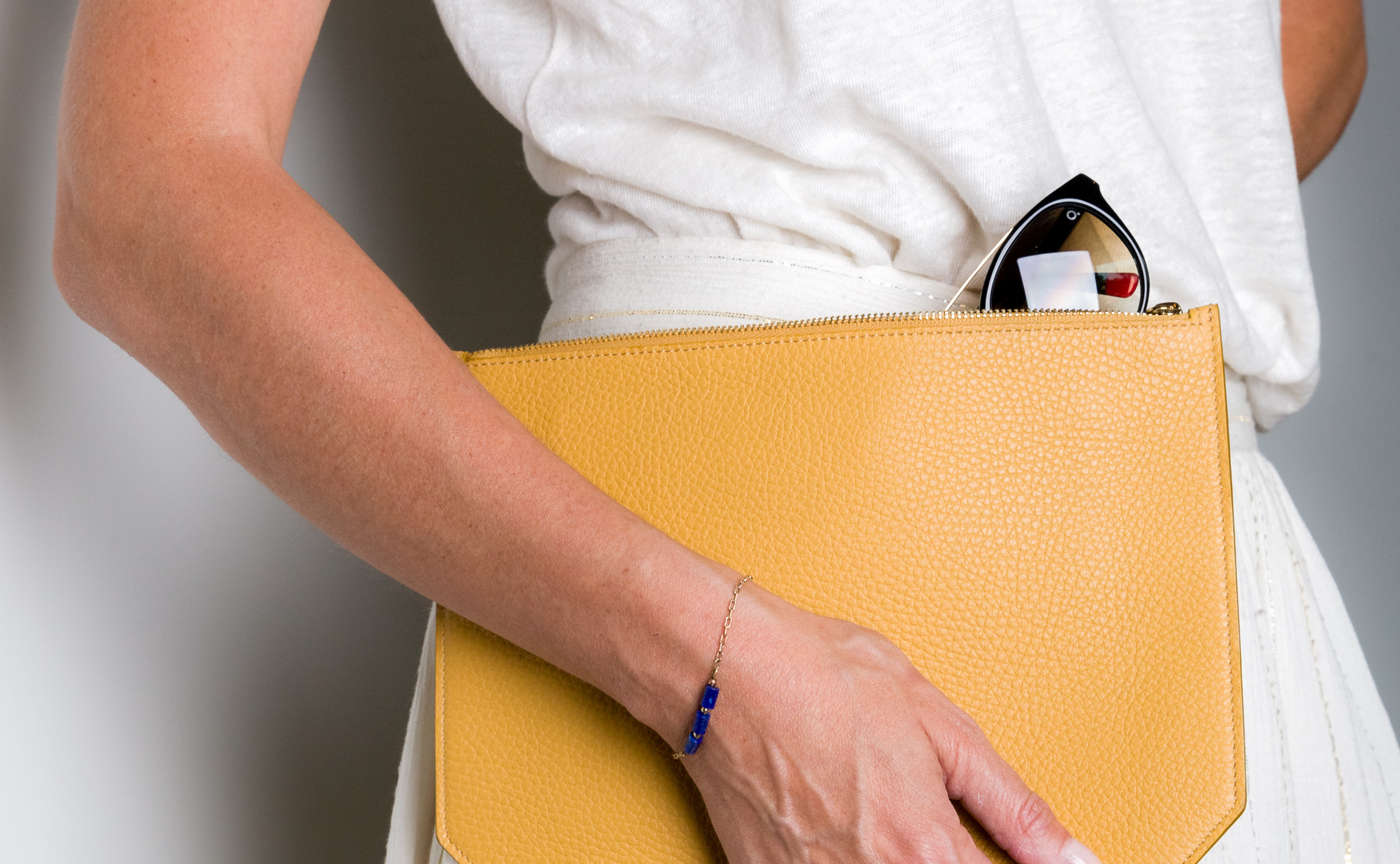 Monday clutch yellow grained