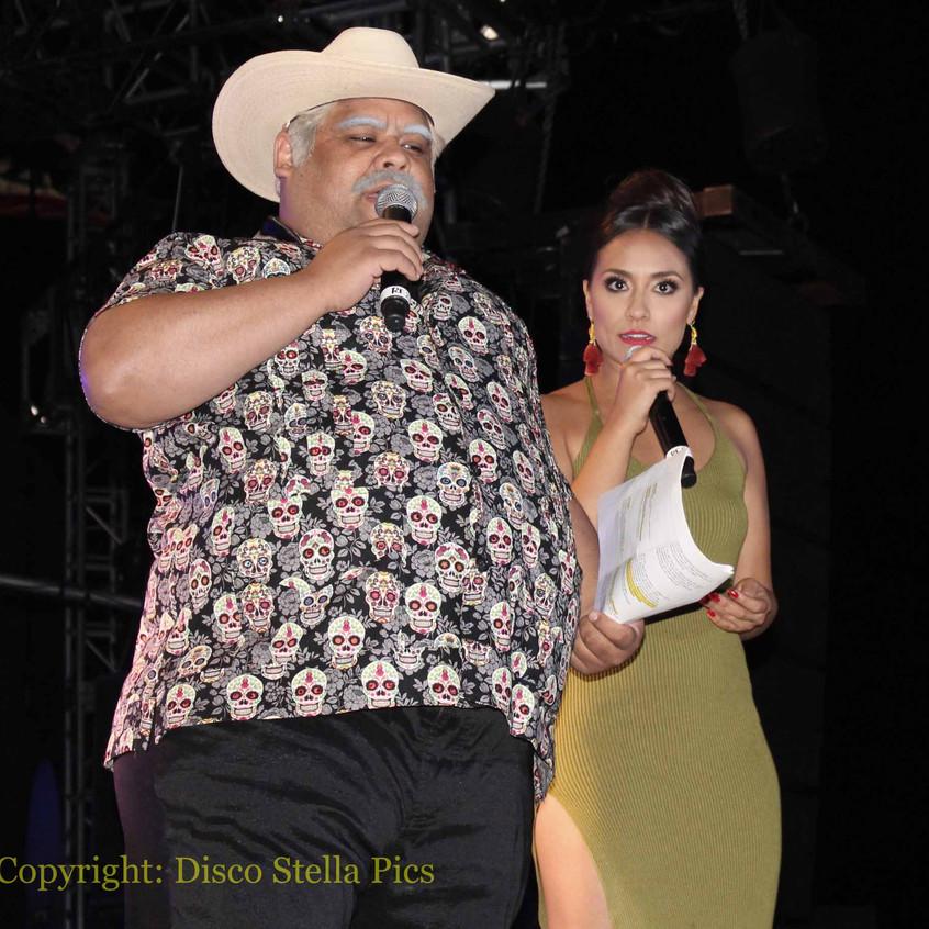 Don Cheto and Nitzia Chama - on stage
