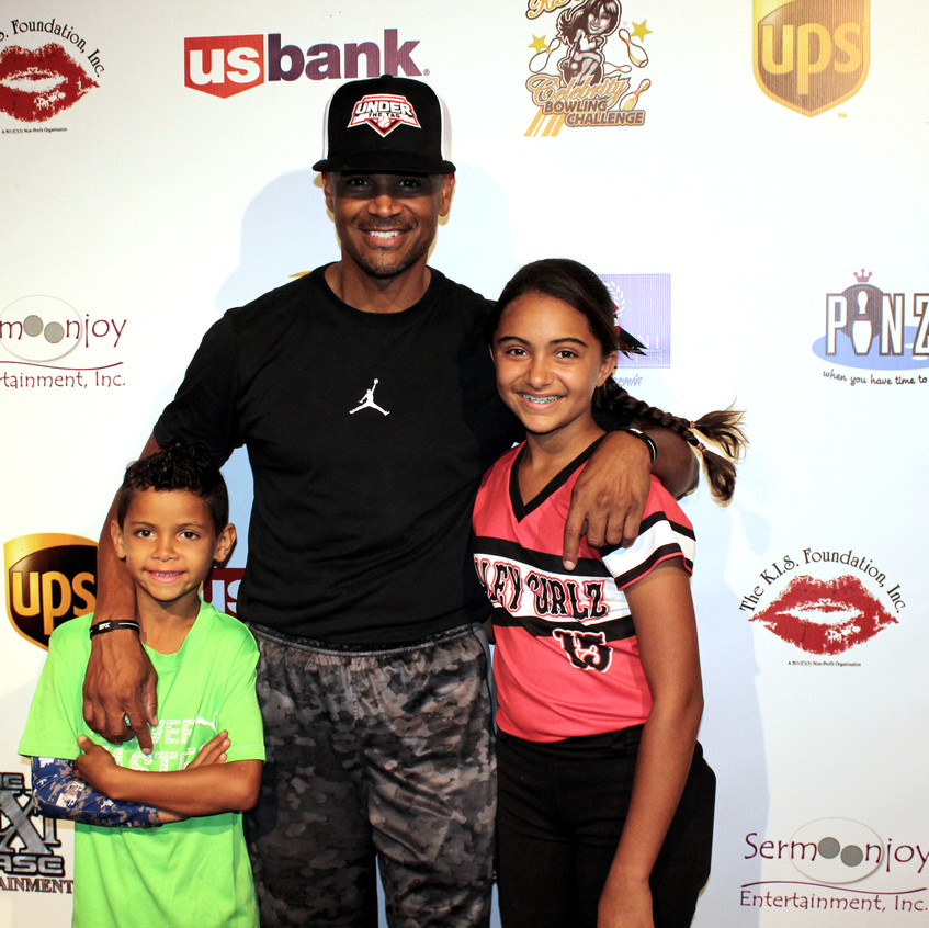 Dondre Whitfield and kids