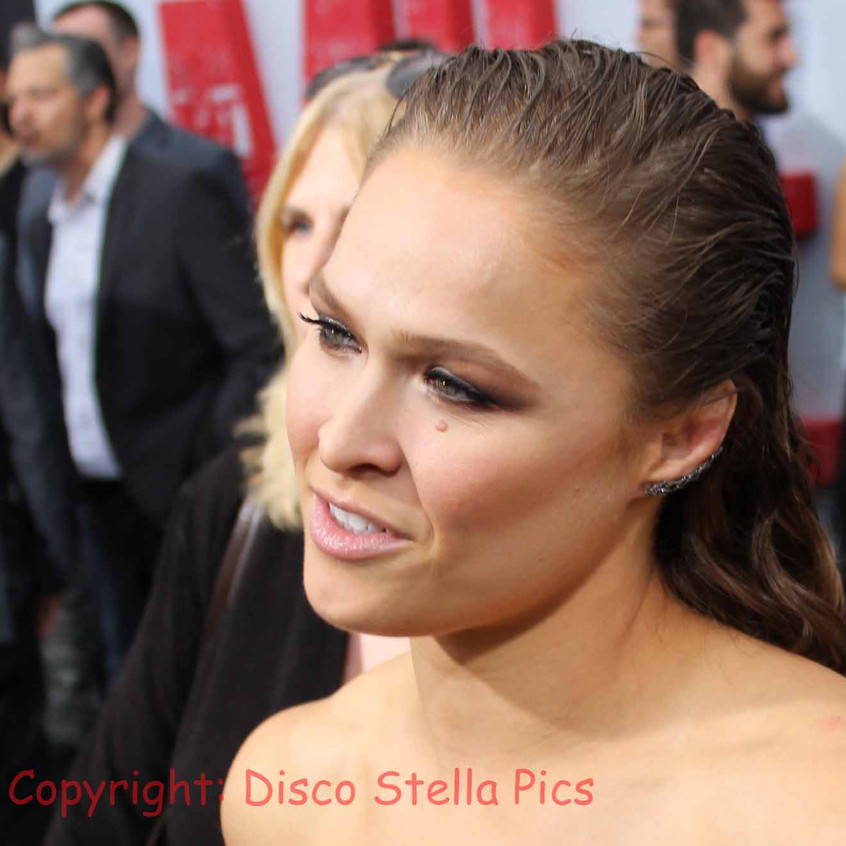Ronda Rousey - Interview on carpet