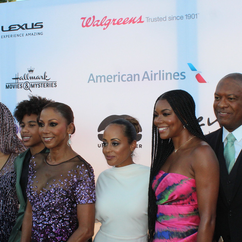 Holly Robinson Peete with family - Essen