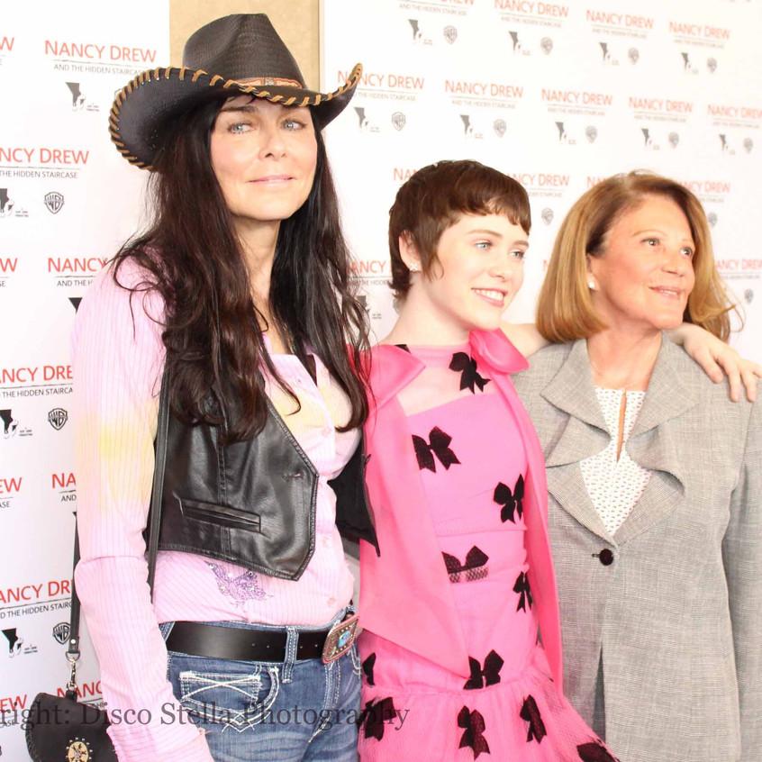 Katt Shea - Sophia Lillis and Linda Lavi