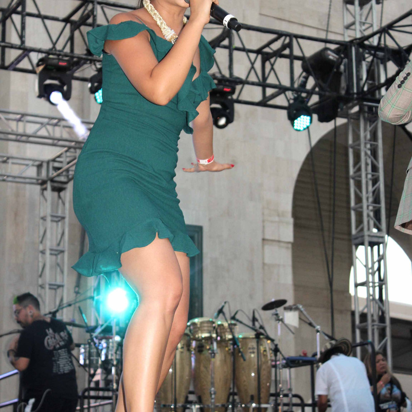 Nitzia Chama - Actress - Host