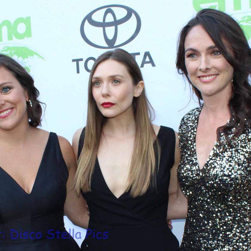 Elizabeth at Middle (Actress - Honoree) with guests 1
