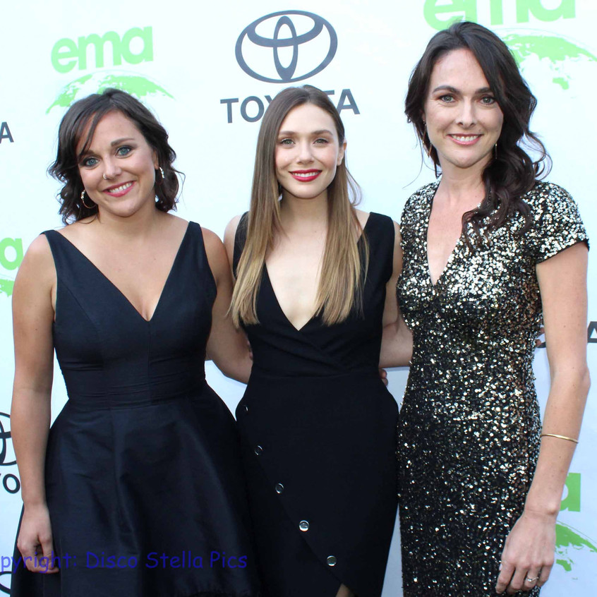 Elizabeth at Middle (Actress - Honoree) with guests  2