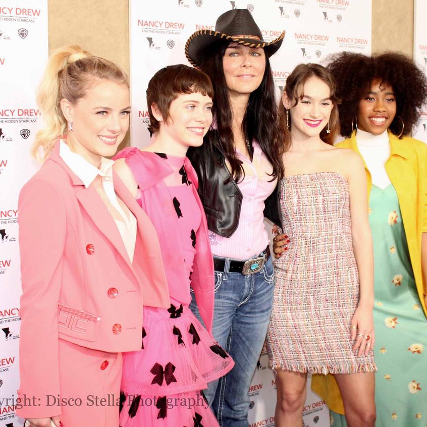 Laura, Katt, Sophia, Mackenzie and Zoe -