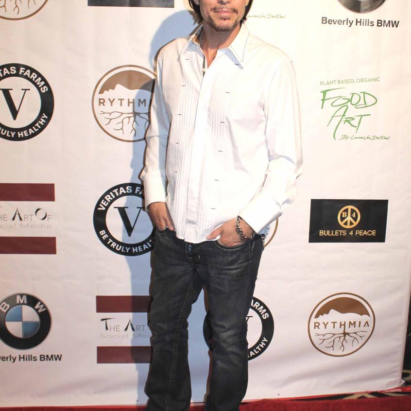 Sean McNabb- Actor - Musician