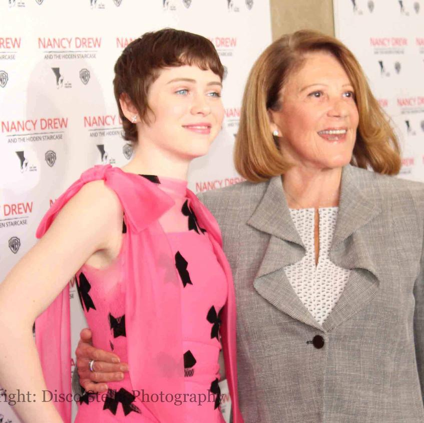 Sophia Lillis and Linda Lavin - Casts...