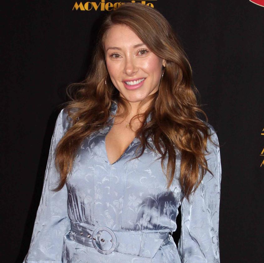 Alexandra Vino - Actress