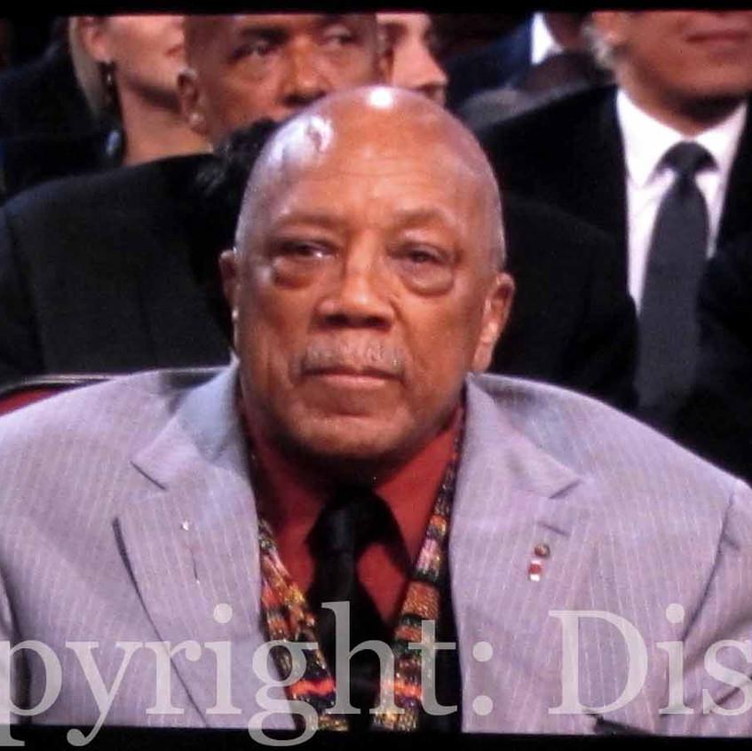 Quincy Jones enjoy his bday celebration.