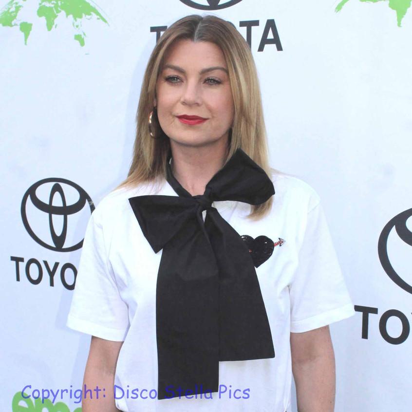 Ellen Pompeo - Actress -Host of EMA on green carpet