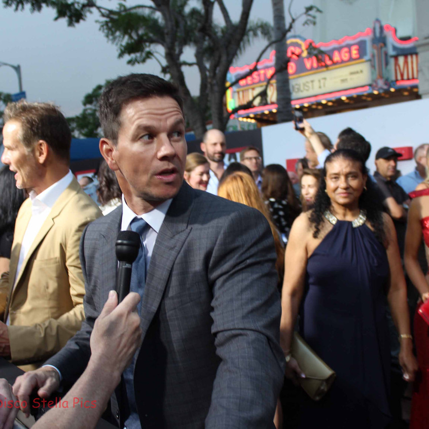 Mark Wahlberg being interviewed by ET