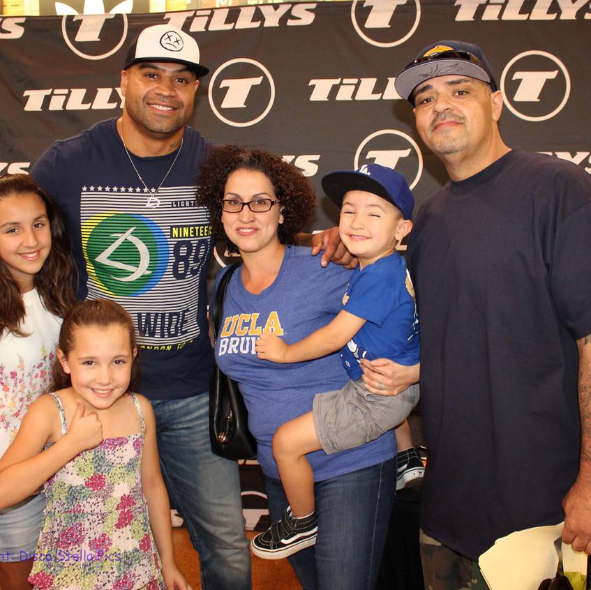 Shawne Merriman with fans